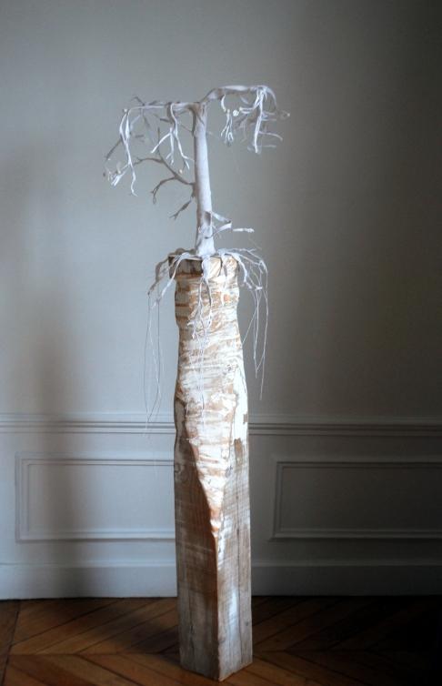 Un arbre, et il se multiplie, coton crocheté, environ 150x50x50cm , Nathalie Leverger 2016